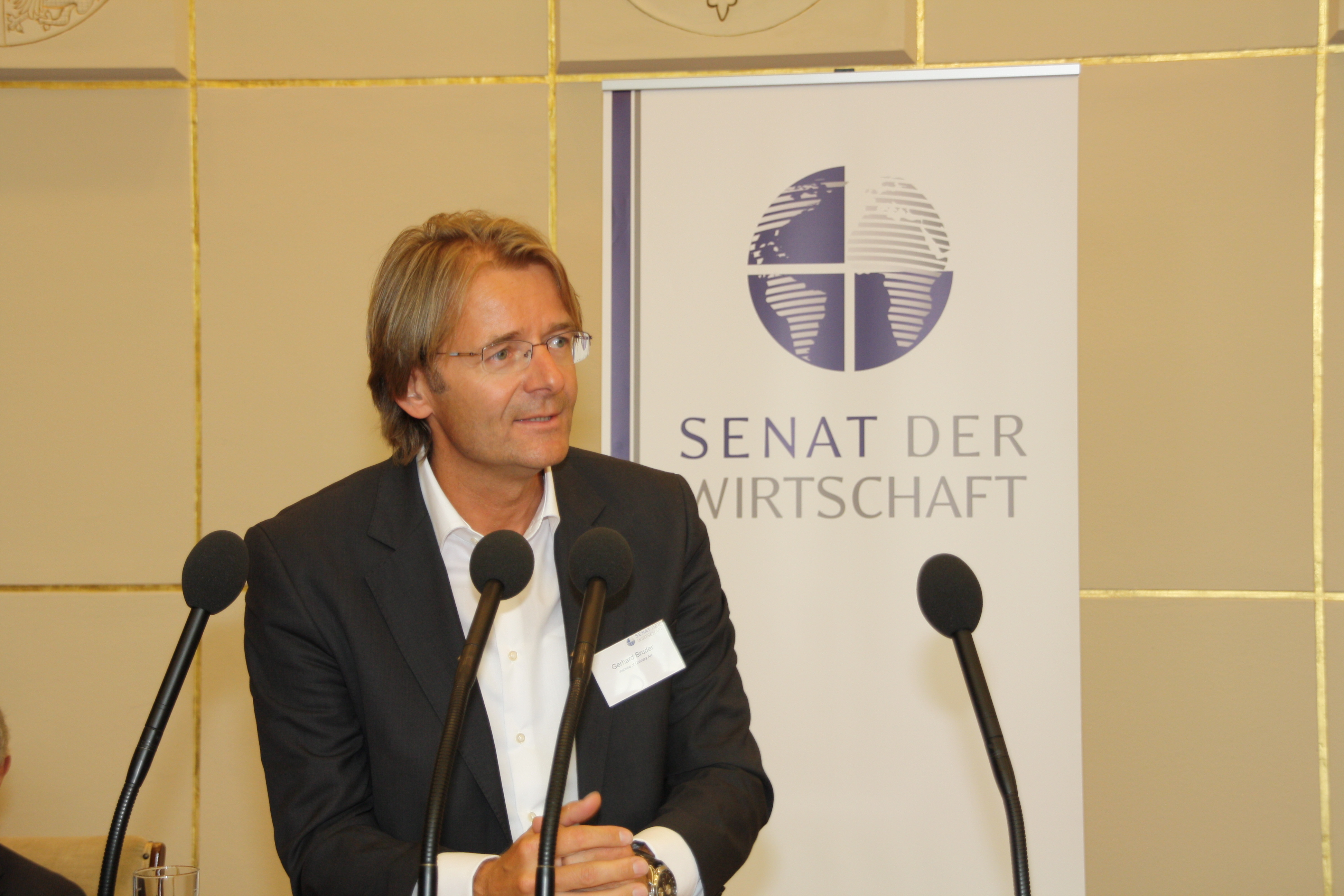 SENAT DER WIRTSCHAFT WÄHLTE PRÄSIDIUM: GERHARD BRUDER ZUM VIZEPRÄSIDENTEN GEWÄHLT
