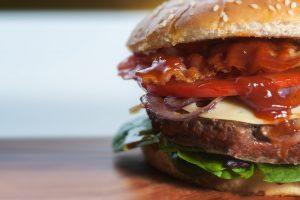 Egal ob Salate, Sandwiches, Burger oder gegrillter Käse bei den Ghost Restaurants steht einfach alles auf der Karte.