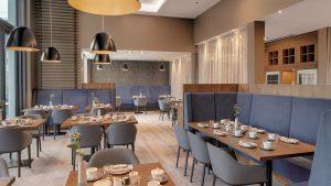 BAUSCHER_Referenz_Hotel Stadt Lörrach_Restaurant Hebel_Frühstück_Farbkonzept 2