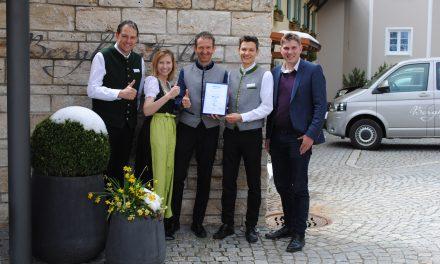 Top 30 Hotels mit Award of Excellence ausgezeichnet