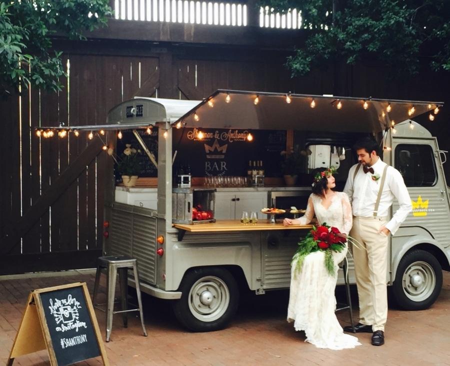 foodtruckbooking - Vitage Food Truck Hochzeit