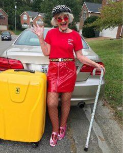 Instagram-Oma Baddie Winkle ist derzeit dabei die Welt auf ihrer #BadAssBucketList-Tour in Kooperation mit Hotels.com