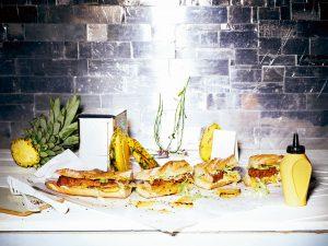 Bedford Langer Ritter Hotdog mit Ananas