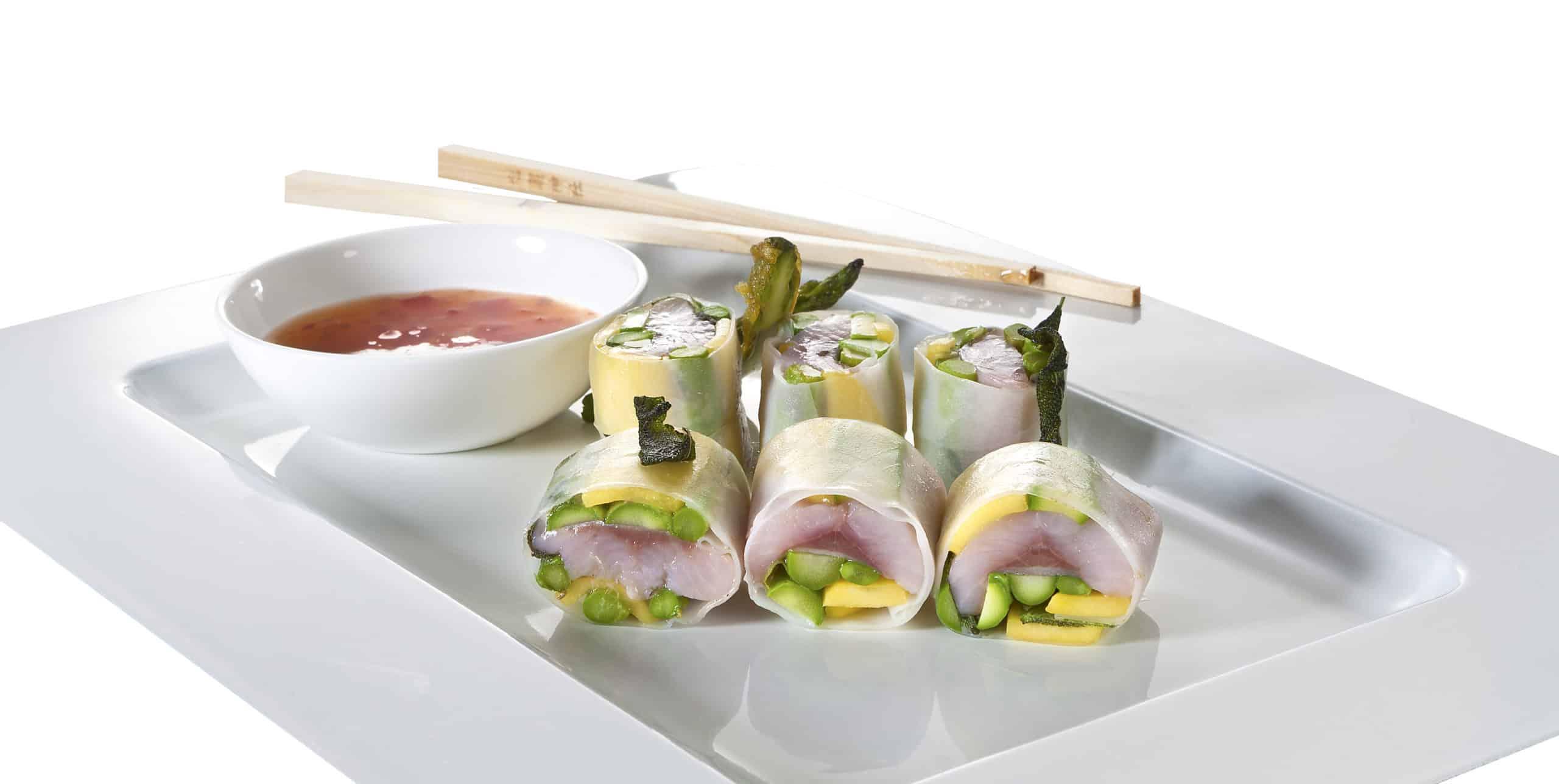 Friesenkrone Matjes-Sommerrolle Asia mit Mango und Spargel