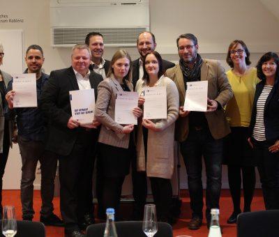 Hotelbetriebswirte (IHK) legen erfolgreiche Zertifikatsprüfung ab
