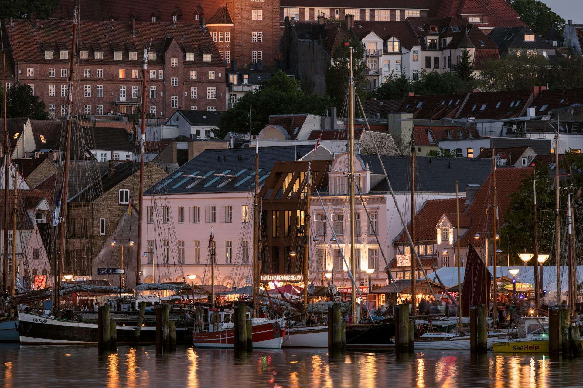 Schlafen an Bord mit Verwöhnprogramm im Hotel Hafen Flensburg