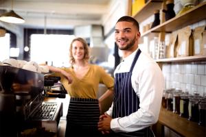 Es ist für Gastronomen besonders wichtig sich jetzt mit ihren Mitarbeitenden regelmäßig zusammenzusetzen