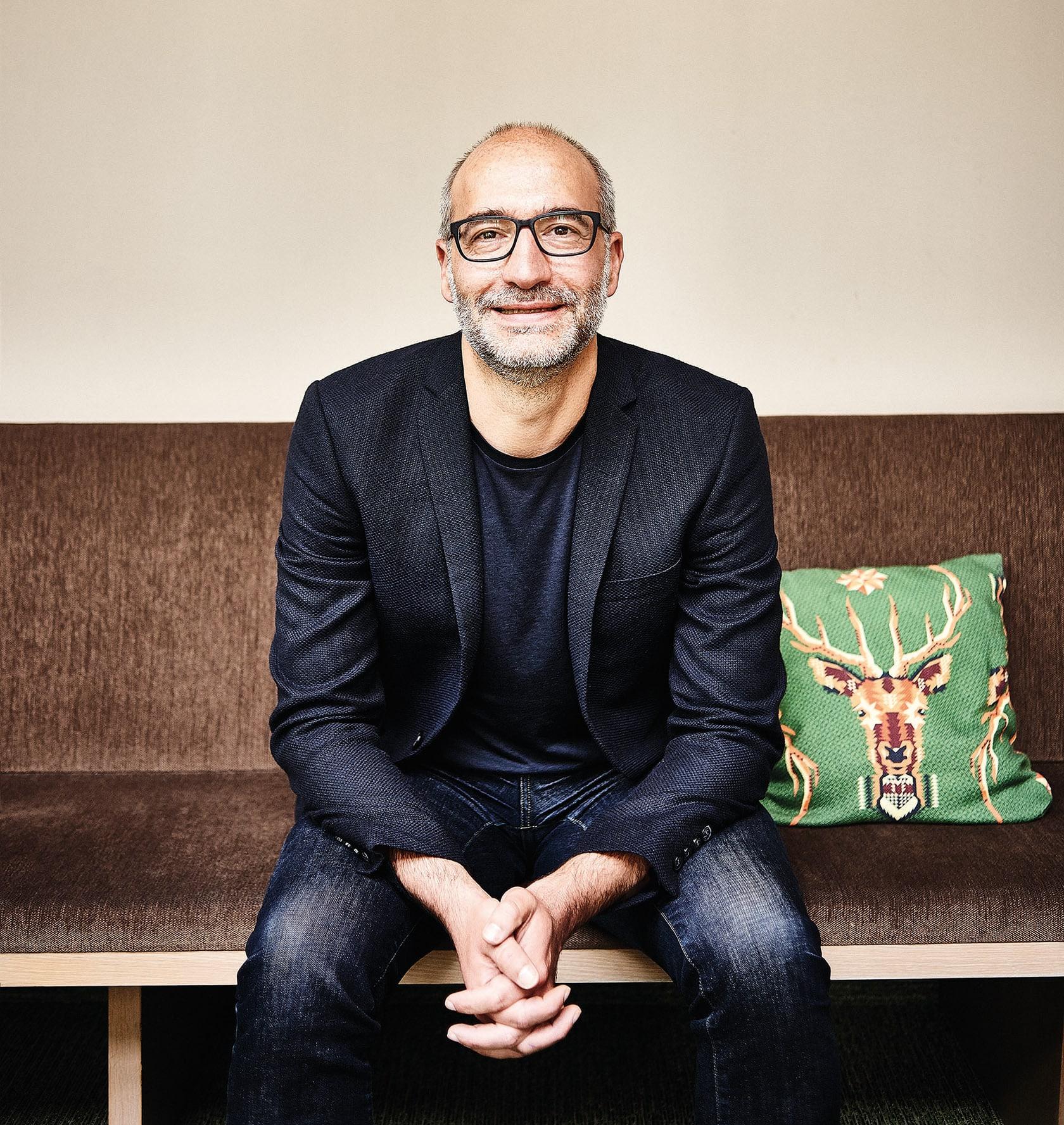Der Unternehmer Olaf Gstettner bleibt weiterhin Vorsitzender des Gastronomischen Bildungszentrums Koblenz (GBZ). Er ist seit 2008 Mitglied im Vorstand und seit 2014 Vorsitzender des GBZ.