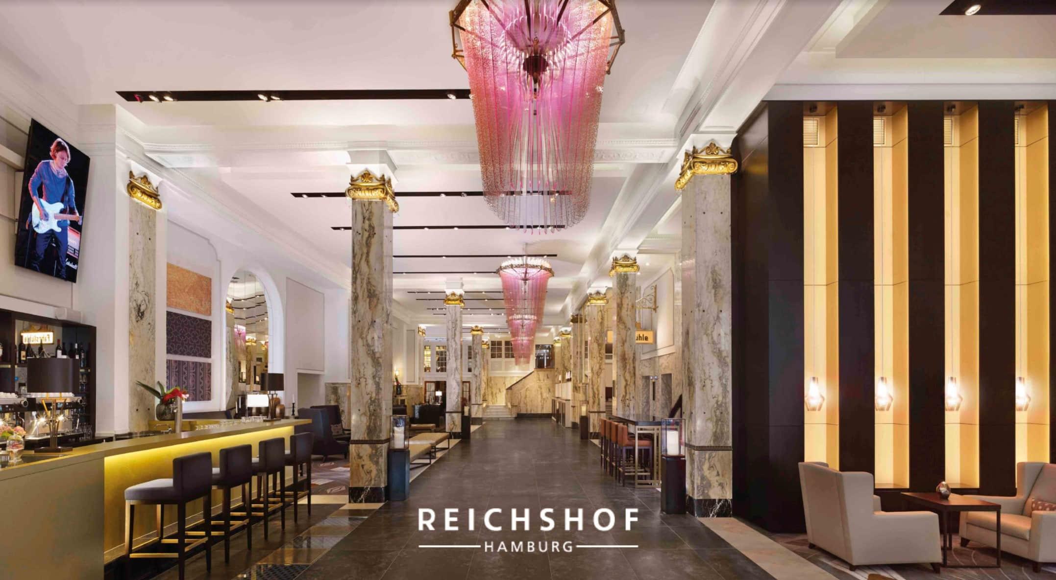 Im Zentrum der Stadt und parallel zum Hauptbahnhof strahlt eines der führenden Hamburger Hotels – der Reichshof Hamburg.