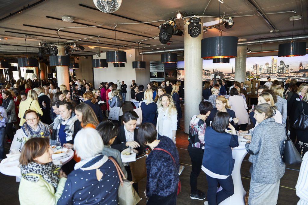 Mit dem Ziel, innerhalb eines Jahres mindestens 100 neue Mitglieder zugewinnen, hat sich das Frauennetzwerk FOODSERVICE im Oktober 2020 für alle engagierten Frauen aus der Food-und Gastronomie-Branchegeöffnet.