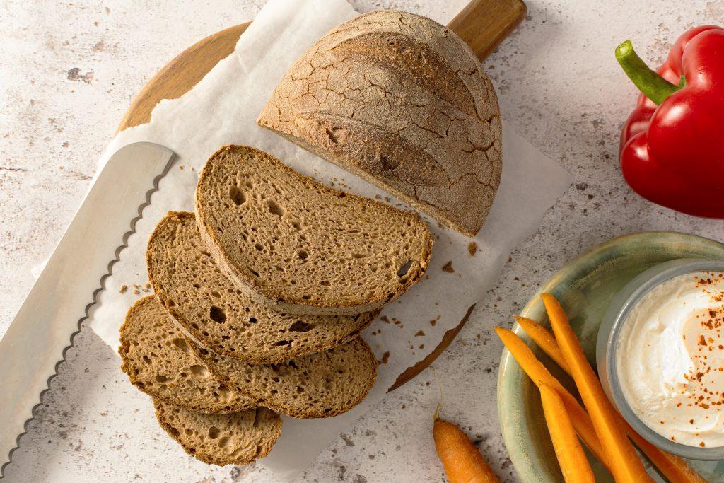 Mit den handwerklich hergestellten B:PURE Backwaren von BÖCKER können Gastronomen ihren Gästen auf einfache und leckere Weise eine entsprechende Produktauswahl bieten. Diese ist nicht nur glutenfrei, sondern auch ohne Zusatz von Ei und Soja, laktosefrei und vegan.
